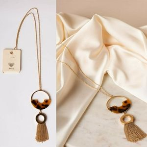 Lily Circle Tassel Gold Necklace (Brown)